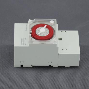 SI67, 12V - 24V spínací hodiny mechanické (DIN/ na plochu)