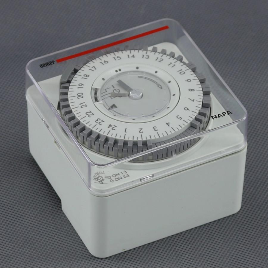 EH06, spínací hodiny mechanické (DIN/ plochu/ otvor)