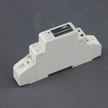 EL04, 1f. zásuvkový digitální elektroměr