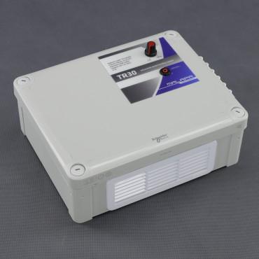 TR30 regulátor napětí plynulý 4500W (na plochu)