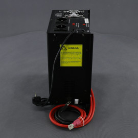 ZZ44, 700W/ 230V záložní zdroj sinusový, pro aku 12V, (na plochu/ na zeď)
